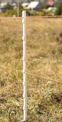 Пластиковые-столбики-для-электроизгороди